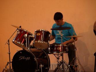барабанщик б. Андрей